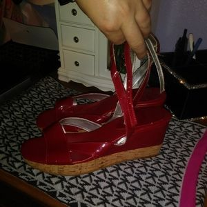 Nine west move over red wedges